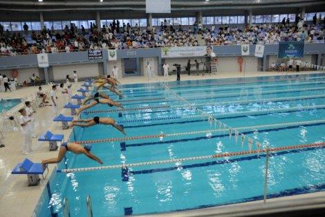 alleben-yuzme-havuzunun-resmi-acilisini-basbakan-yardimcisi-ve-bakanlar-yapacak-IHA-20121130AW000278-3-t